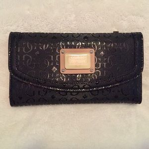 Guess - Women's Black Wallet
